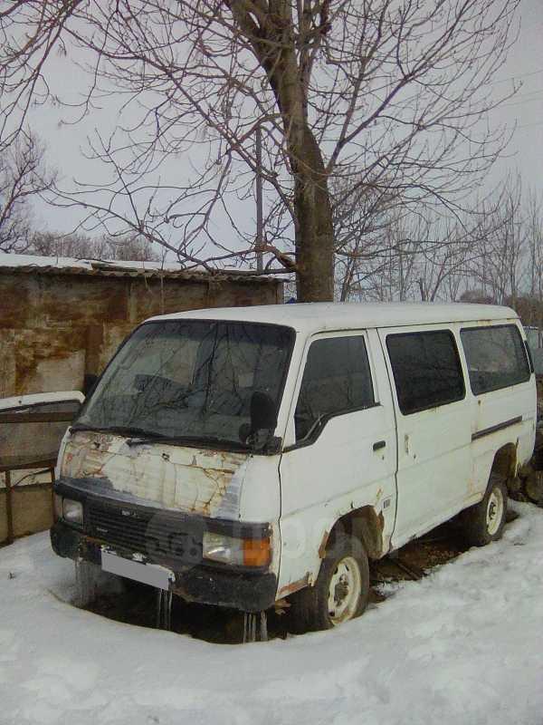 Nissan Caravan, 1995 год, 65 000 руб.