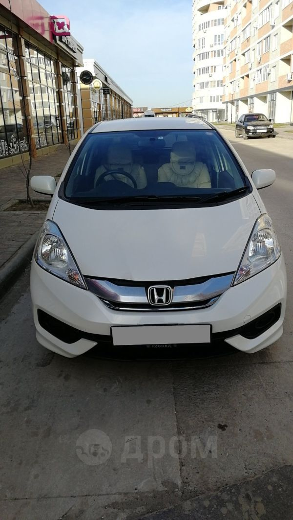 Honda Fit Shuttle, 2014 год, 710 000 руб.