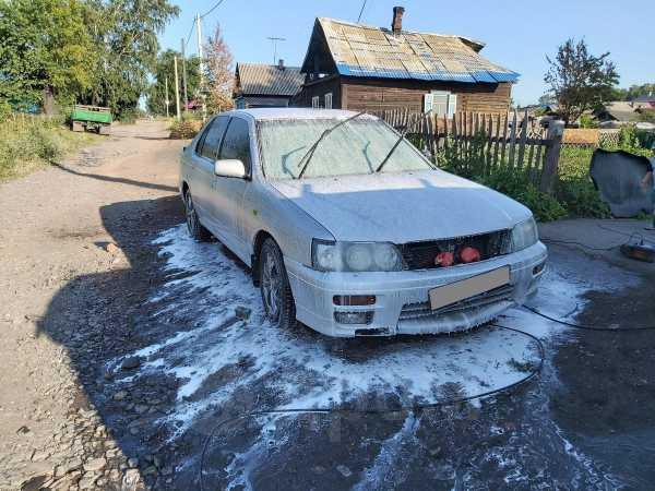 Nissan Bluebird, 2000 год, 160 000 руб.