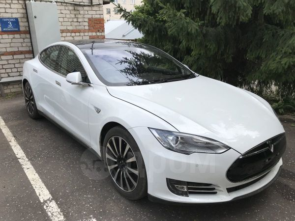 Tesla Model S, 2014 год, 2 590 000 руб.