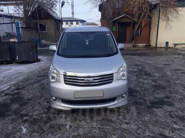 Toyota Noah, 2011 год, 920 000 руб.