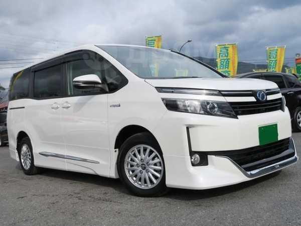 Toyota Voxy, 2017 год, 813 000 руб.