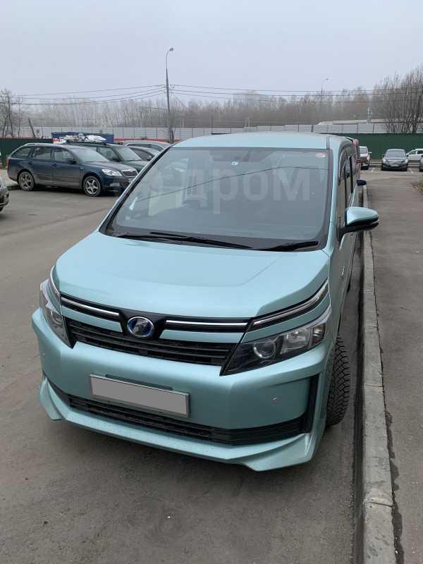 Toyota Voxy, 2014 год, 1 420 000 руб.