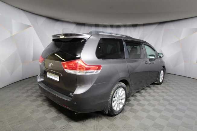 Toyota Sienna, 2013 год, 1 149 000 руб.