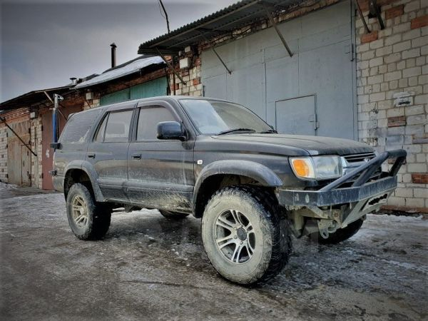 Toyota Hilux Surf, 1998 год, 220 000 руб.