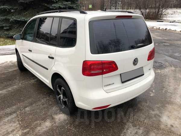 Volkswagen Touran, 2012 год, 629 000 руб.