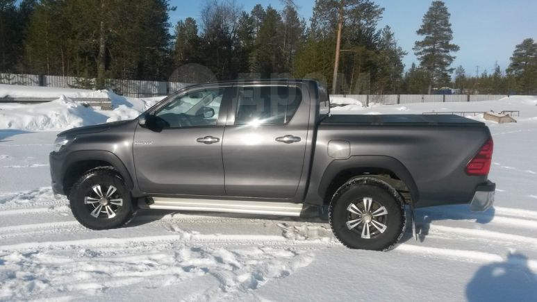 Toyota Hilux Pick Up, 2015 год, 1 750 000 руб.