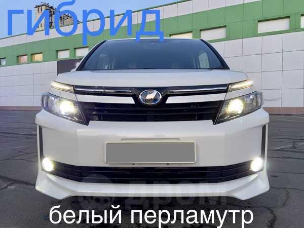 Toyota Voxy, 2015 год, 1 222 000 руб.