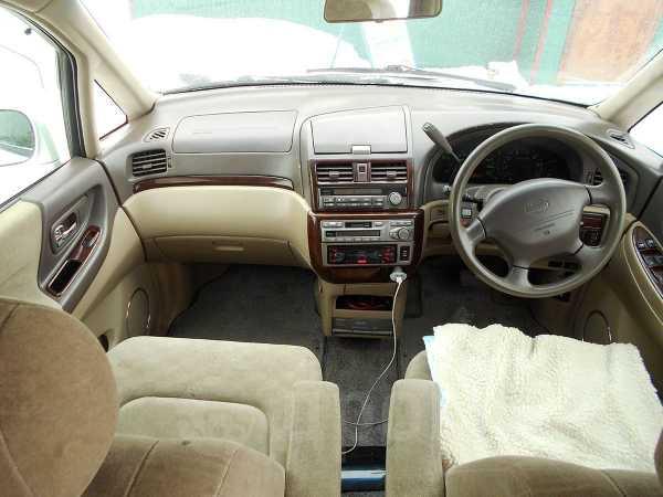Nissan Presage, 1999 год, 277 000 руб.