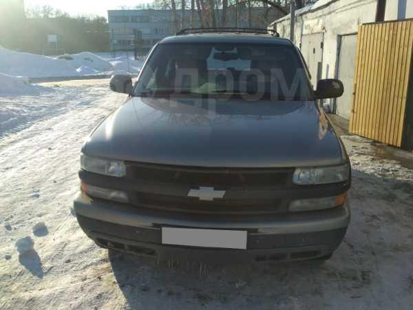 Chevrolet Tahoe, 2001 год, 495 000 руб.