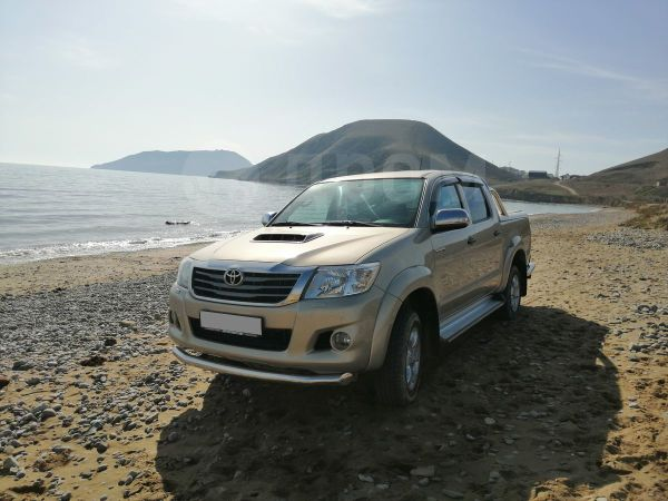 Toyota Hilux Pick Up, 2012 год, 995 000 руб.