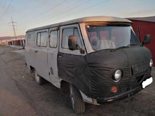 УАЗ Буханка, 2001 год, 300 000 руб.