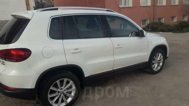Volkswagen Tiguan, 2014 год, 1 040 000 руб.