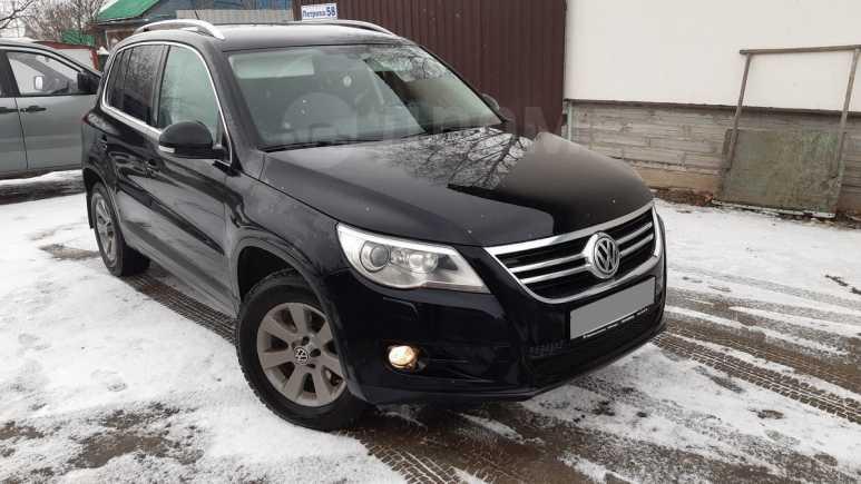 Volkswagen Tiguan, 2010 год, 755 000 руб.