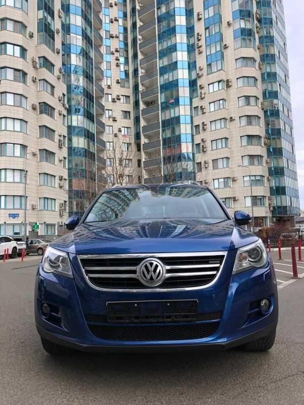 Volkswagen Tiguan, 2009 год, 680 000 руб.
