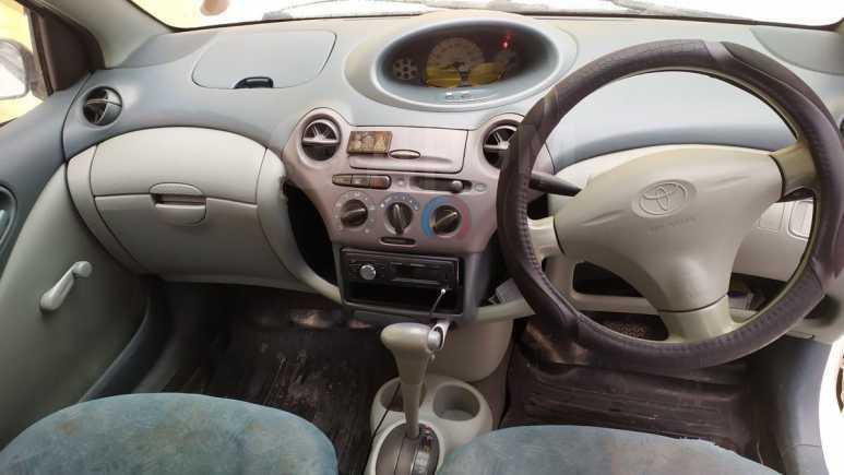 Toyota Vitz, 1999 год, 125 000 руб.