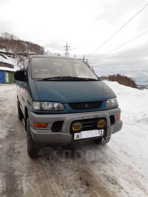 Mitsubishi Delica, 1998 год, 260 000 руб.