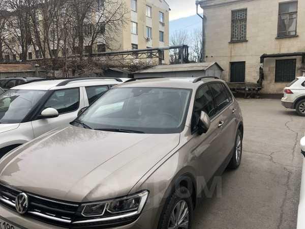 Volkswagen Tiguan, 2019 год, 1 500 000 руб.