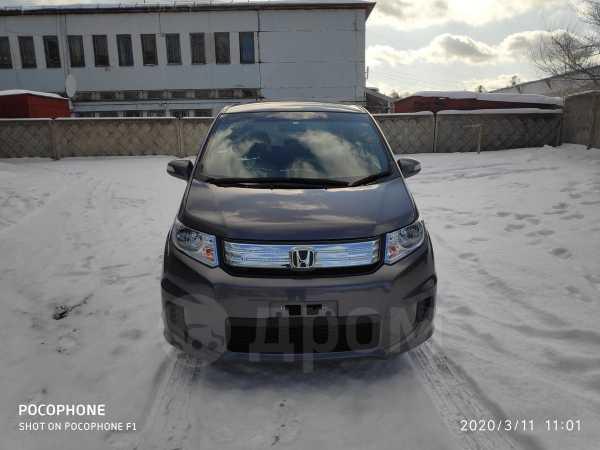 Honda Freed Spike, 2014 год, 747 000 руб.