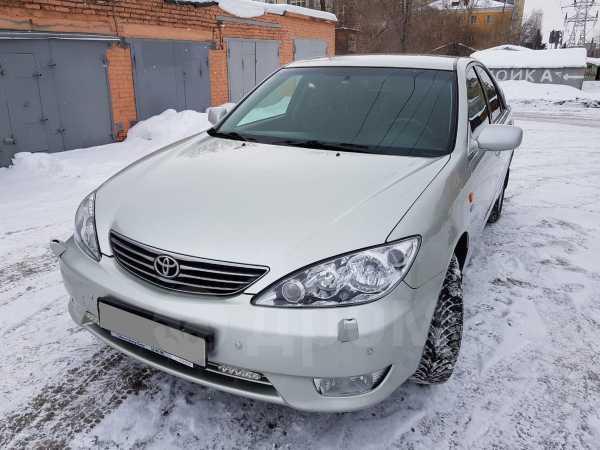 Toyota Camry, 2005 год, 610 000 руб.