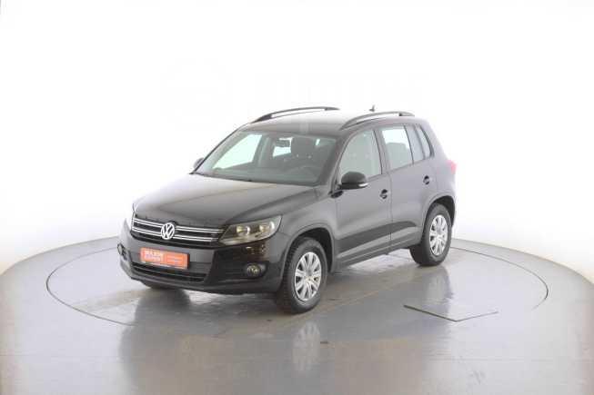 Volkswagen Tiguan, 2015 год, 745 000 руб.