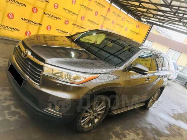 Toyota Highlander, 2014 год, 2 362 500 руб.