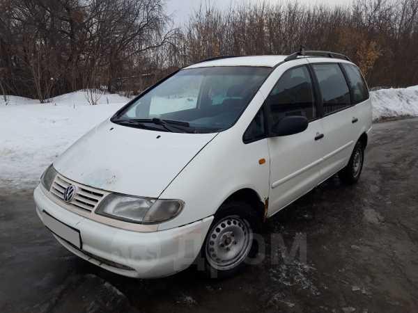 Volkswagen Sharan, 1999 год, 105 000 руб.