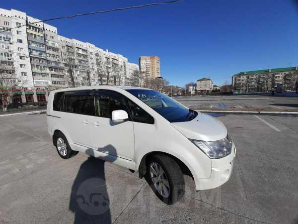 Mitsubishi Delica, 2013 год, 1 400 000 руб.