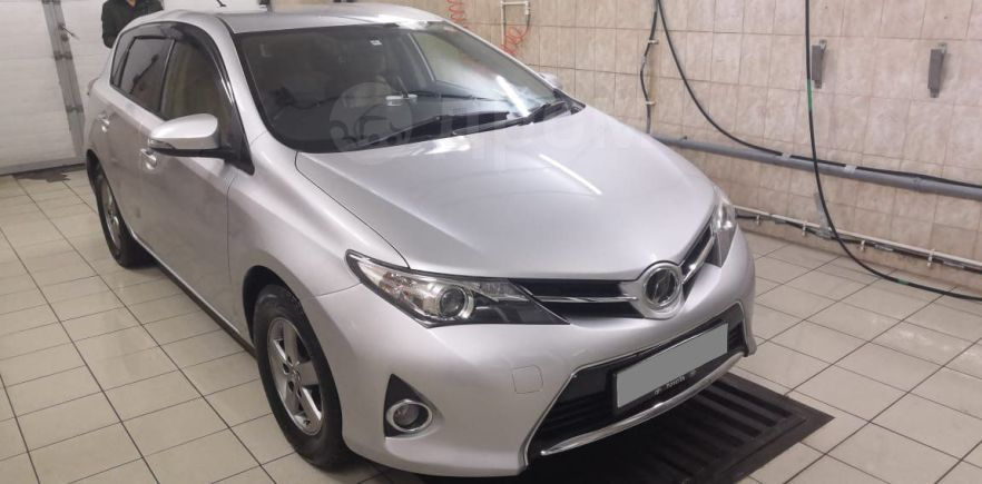 Toyota Auris, 2015 год, 695 000 руб.