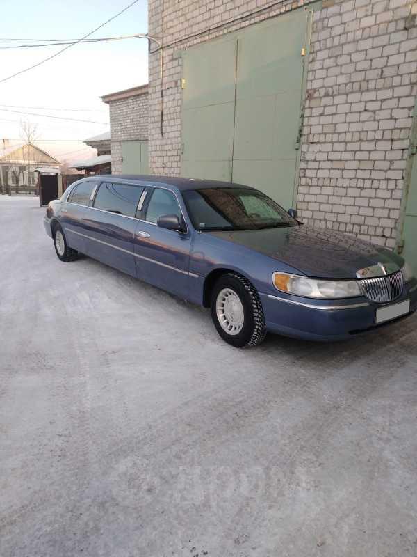 Lincoln Town Car, 2000 год, 280 000 руб.