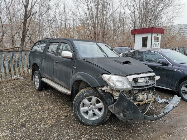 Toyota Hilux Pick Up, 2011 год, 685 000 руб.