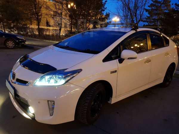 Toyota Prius PHV, 2013 год, 980 000 руб.