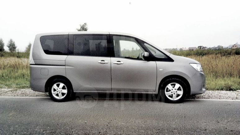 Nissan Serena, 2012 год, 765 000 руб.