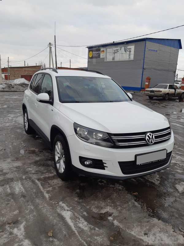 Volkswagen Tiguan, 2016 год, 900 000 руб.