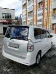 Toyota Voxy, 2010 год, 750 000 руб.