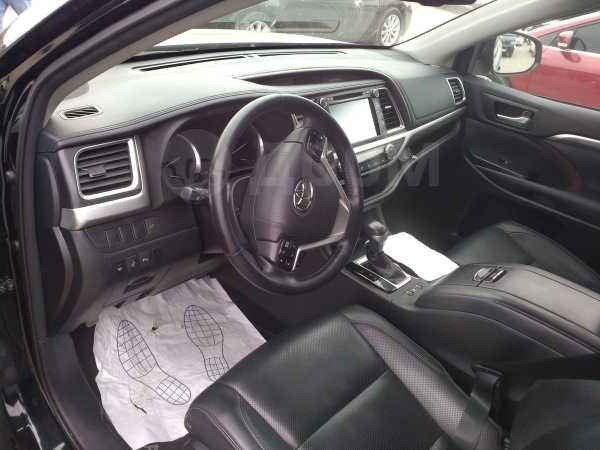 Toyota Highlander, 2017 год, 2 450 000 руб.