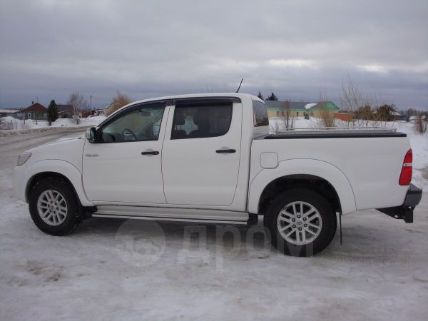 Toyota Hilux Pick Up, 2012 год, 1 200 000 руб.
