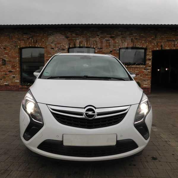 Opel Zafira, 2015 год, 860 000 руб.