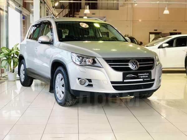 Volkswagen Tiguan, 2011 год, 699 900 руб.