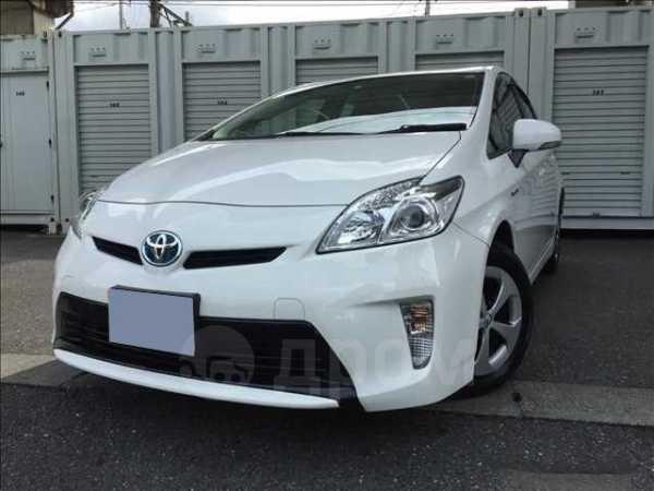 Toyota Prius, 2015 год, 579 000 руб.