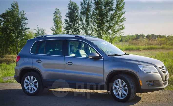 Volkswagen Tiguan, 2008 год, 600 000 руб.