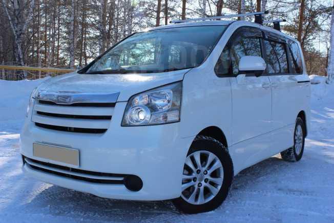 Toyota Noah, 2007 год, 799 000 руб.