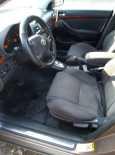 Toyota Avensis, 2004 год, 475 000 руб.
