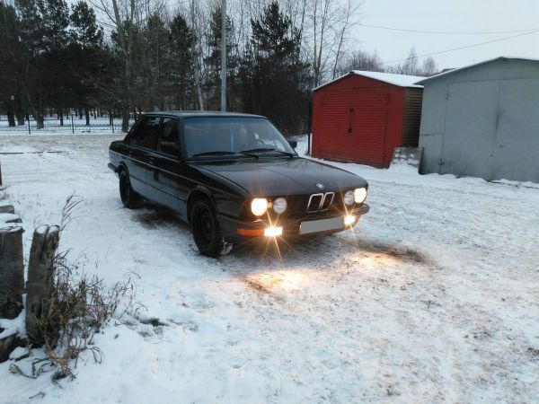 BMW 5-Series, 1983 год, 200 000 руб.