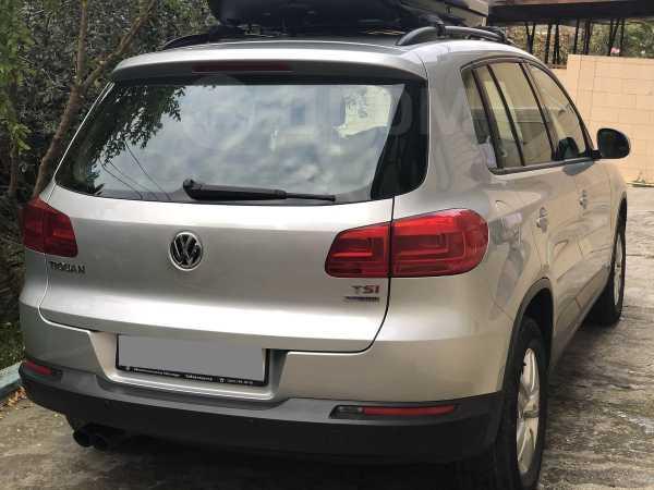 Volkswagen Tiguan, 2014 год, 840 000 руб.