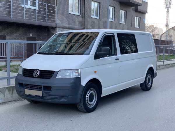 Volkswagen Transporter, 2005 год, 599 000 руб.