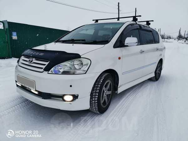 Toyota Ipsum, 2002 год, 565 000 руб.