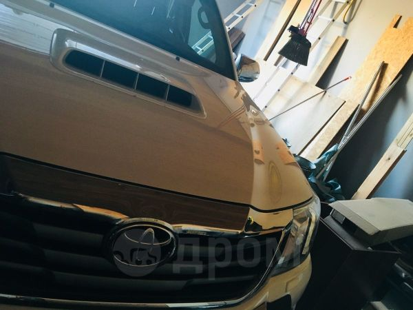 Toyota Hilux Pick Up, 2012 год, 1 900 000 руб.