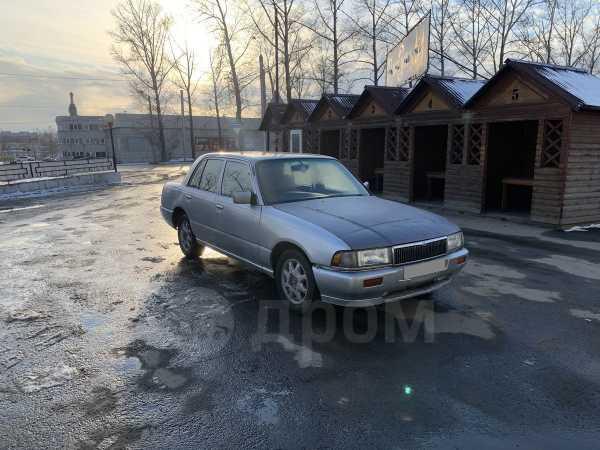 Nissan Crew, 1998 год, 68 000 руб.