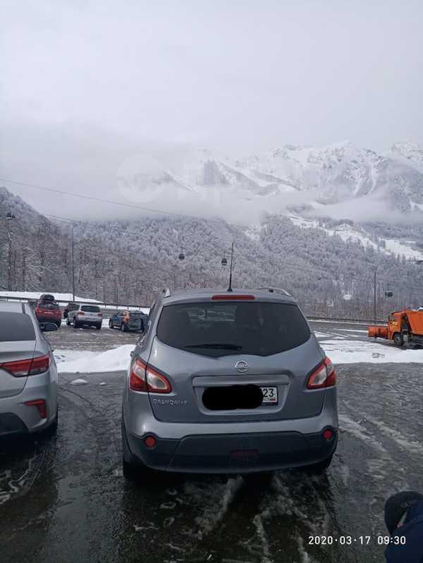 Nissan Qashqai+2, 2010 год, 695 000 руб.